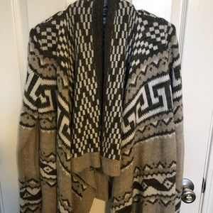 Size M/L Abercrombie open sweater